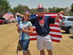 Einwohner mit der USA Flagge
