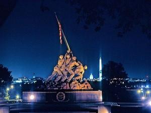 Nachts die Memorials besuchen
