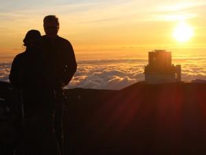 Reisende beim Sonnenuntergang
