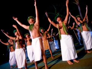 Einheimische beim Tanzen auf Maui