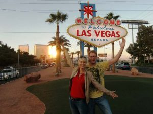USA-las-vegas-strip-schild-besucher