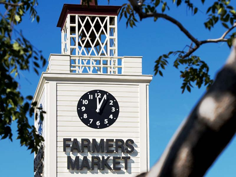 Uhr am Farmers Market in Los Angeles