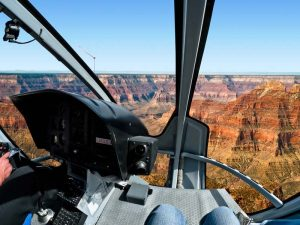 USA-Arizona-grand-canyon-helikopter-cockpit