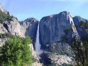Wasserfall im Yosemite Nationalpark während Ihrer Kalifornien Rundreise