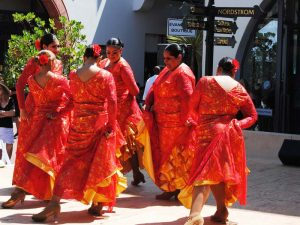 Traditionelle Tänze in Santa Barbara