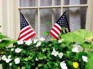 usa-philadelphia-elfreths-alley-fenster-flagge