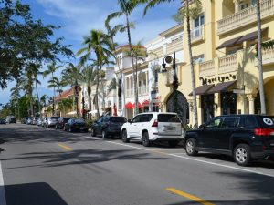 5th Avenue South in Naples