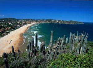 Weitläufige Bucht mit Sandstrand