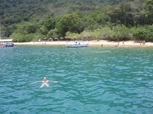Schwimmen vor der Küste