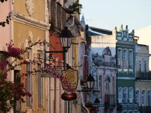 In der Altstadt von Salvador die Geschichte entdecken
