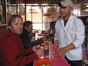 Bolivia La Paz - ontbijten op markt