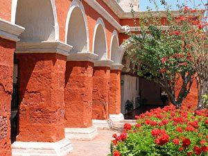 peru-reis-arequipa-klooster-zuilen-kl