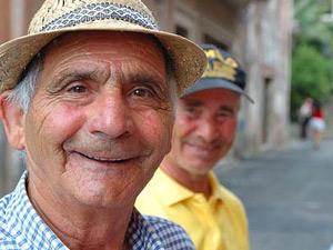 italien-sueden-maenner-laecheln