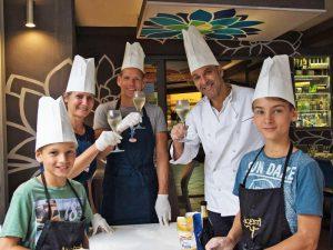 Sizilien Familienkochkurs Pizza backen mit Kindern