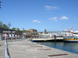 Sizilien Milazzo Hafen Fährfahrt