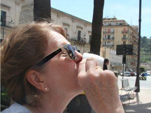Espresso trinken in Modica - Sizilien