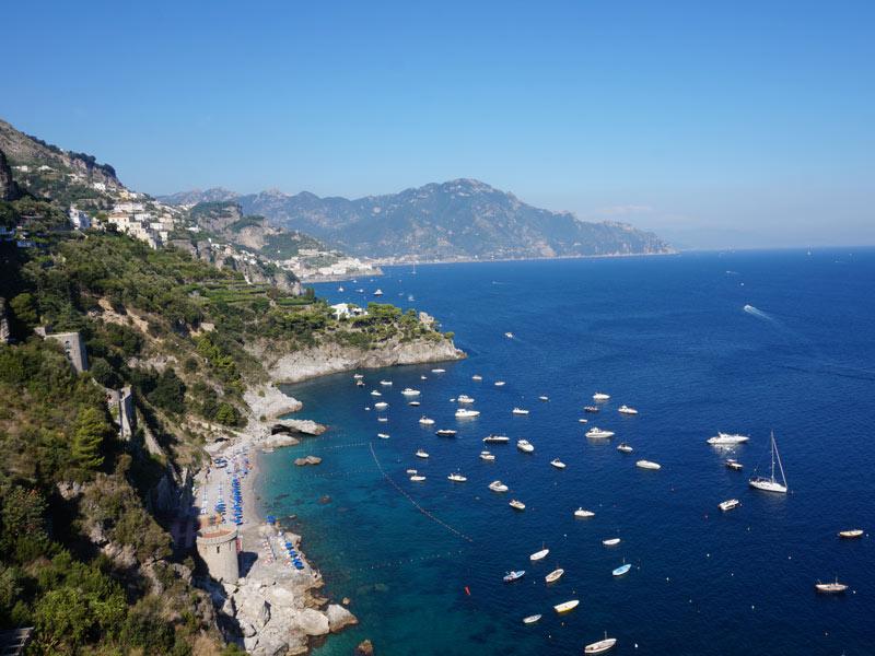 Warum nach Italien reisen? Süditalien Amalfiküste Rundreisen Strand