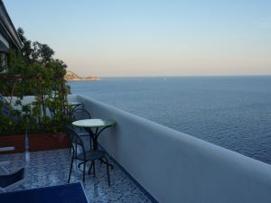 Amalfiküste Rundreisen Unterkunft mit Balkon