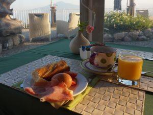 Süditalien Sorrent Urlaub Unterkunft Frühstück