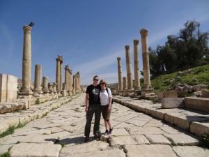 Rundreise Jordanien Die Ruinen von Jerash lassen eine einst imposante Stadt vermuten