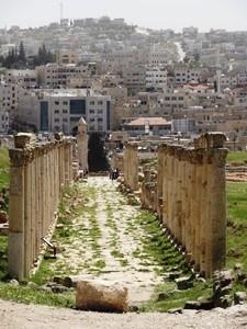 Die Säulengänge in Jerash sind beeindruckend
