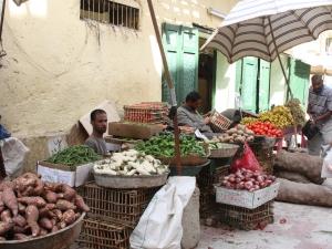 Gemüsestände auf dem Markt
