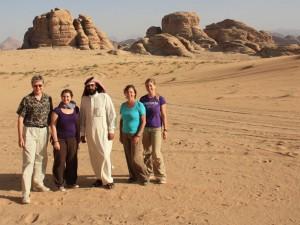 Jordanien Highlights Sie unternehmen eine abwechslungsreiche Tour durch die Wüste