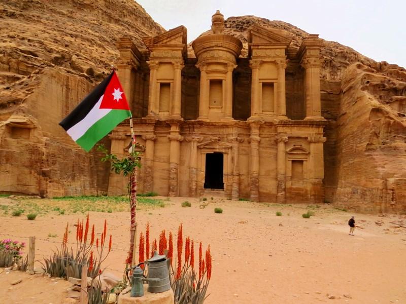 Warum nach Jordanien reisen? Petra erkunden