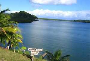 Blick auf das Meer von Baracoa in Kuba
