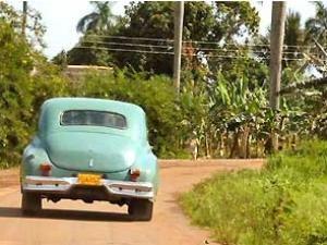 Oldtimer auf dem Weg von Holguin nahc Santiago de Cuba