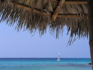 Segelboot an der Playa Pesquero