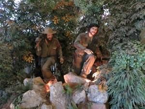 Figuren von Fidel und Che in der Sierra Maestra