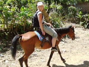 Ausritt mit dem Pferd in der Sierra Maestra