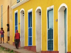 Gelbe Häuser in Trinidad auf Kuba