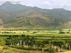 Beeindruckende Landschaften: Berge hinter Trinidad