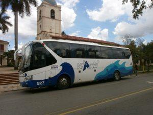 Bus-der-Firma-Viazul-Verkehrmittel-Kuba