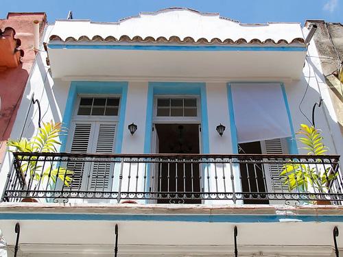 Außenfassade einer Upgrade Casa in Havanna