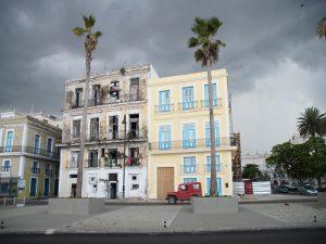 Häuserfront-in-Havanna-Hurrikansaison