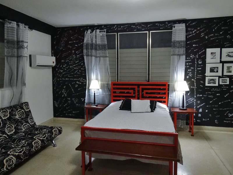 Zimmer einer Casa im Vorort von Santiago de Cuba