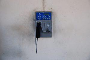 öffentliche-Telefonanlage-Vinales-Kommunikation-Kuba