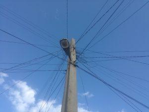 elektrische-Leitungen-Strom-und-Elektrizität-auf-Kuba