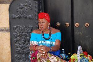 typische-kubanische-frau-sicherheit-in-kuba