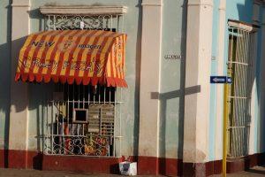 Pizza-Straßenstand-Remedios-Kuba-Landesküche-Speisen-Getränke