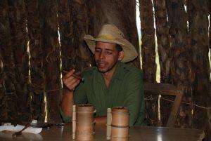 englischsprechender-Guide-in-Vinales-Sprache-auf-Kuba