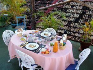 Frühstück auf der Dachterrasse in einer Casa in Trinidad