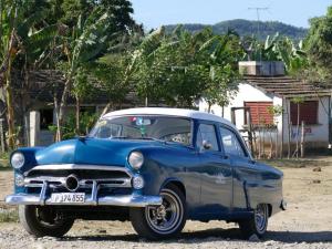 Typische Oldtimer auf der ganzen Insel