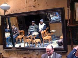 aegypten-kairo-spiegel-strassenbild