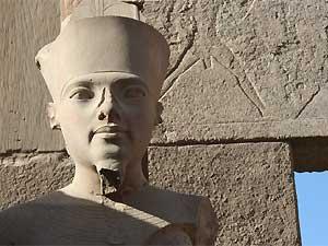 Ramsesstatue in Luxor in Ägypten