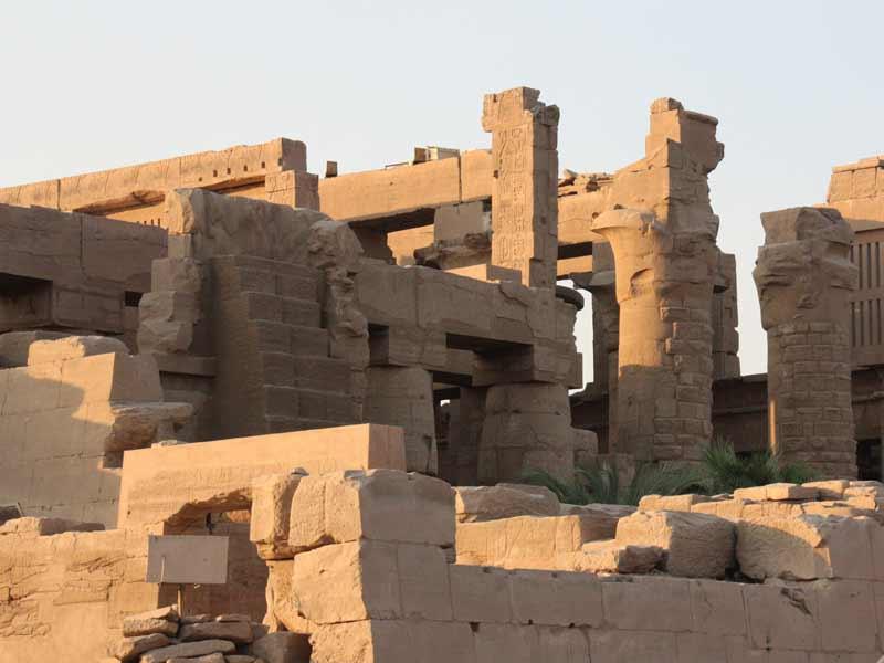 Die Ruinen in Luxor Karnak