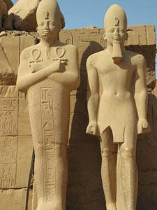 aegypten-luxor-nilcruise-statuen